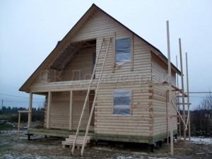 Двухэтажный сруб дома
